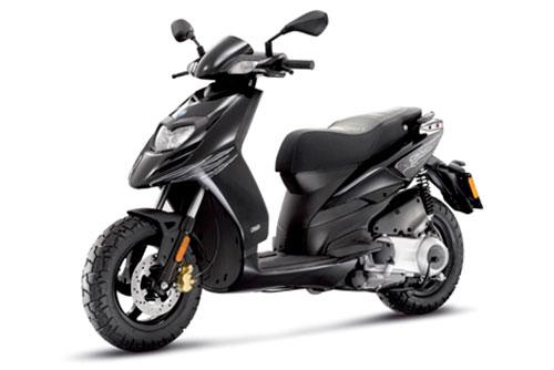 Nuovi scooter a noleggio a Minorca